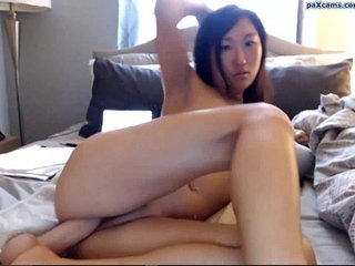 Exotic babe fucks herself with a dildo | dildoexotic