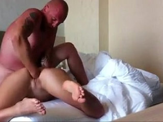 painful fisting on the bed | bedfistingpain