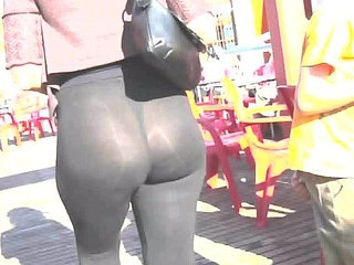 Booty sexy milf in the street with transparent legging | bootysexystreet