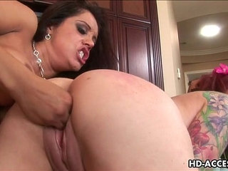 Sexy Francesca La and Kylie Ireland lesbian action | actionlesbiansexy