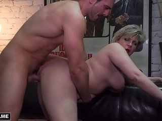 Housewife milf plays on skin sofa with a student | housewifemilfsofastudents