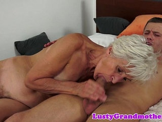 Grandmas hairypussy fucked in missionary   hairymissionary