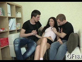 This babe widens legs wide open | babelegs